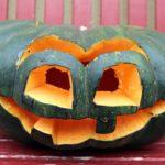 Halloween'owe latarnie – czyli jak zrobić latarnię z dyni?